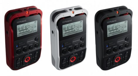 Roland R-07RD ULTRA PORTABLE WITH WIRELESS LISTENING AND REMOTE CONTROL (RED)